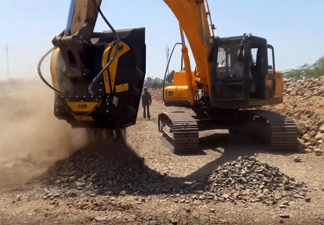 One of the leading road construction companies in Madhya Pradesh, India, was executing 20kms of concrete road under PMGSY.